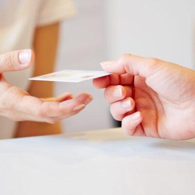 Tylko karta Mastercard w moim portfelu? Dlaczego Bank wymieni mi kartę